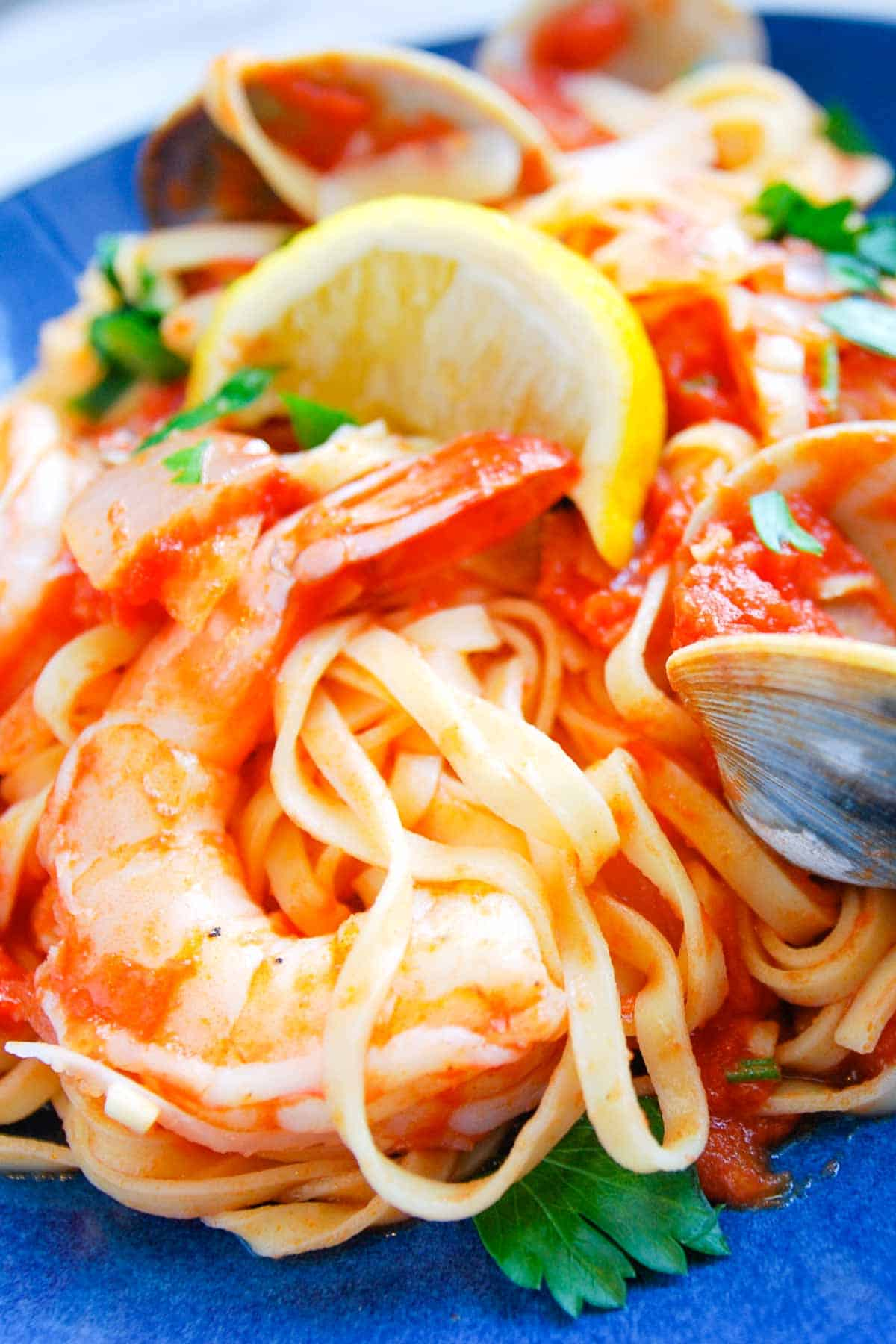 How to Make Spicy Pasta with Shrimp and Clams