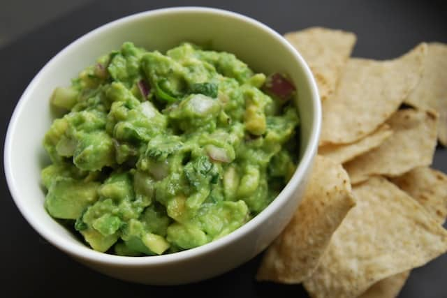 Simple Guacamole Recipe from www.inspiredtaste.net #recipe #guacamole