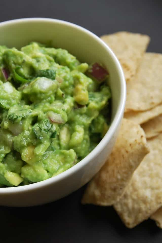 Simple Guacamole Recipe – Five Minute Guacamole