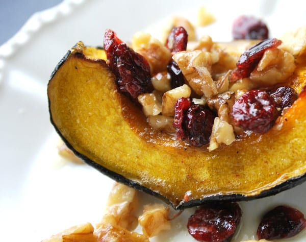 How to Bake Acorn Squash with Walnuts and Cranberries