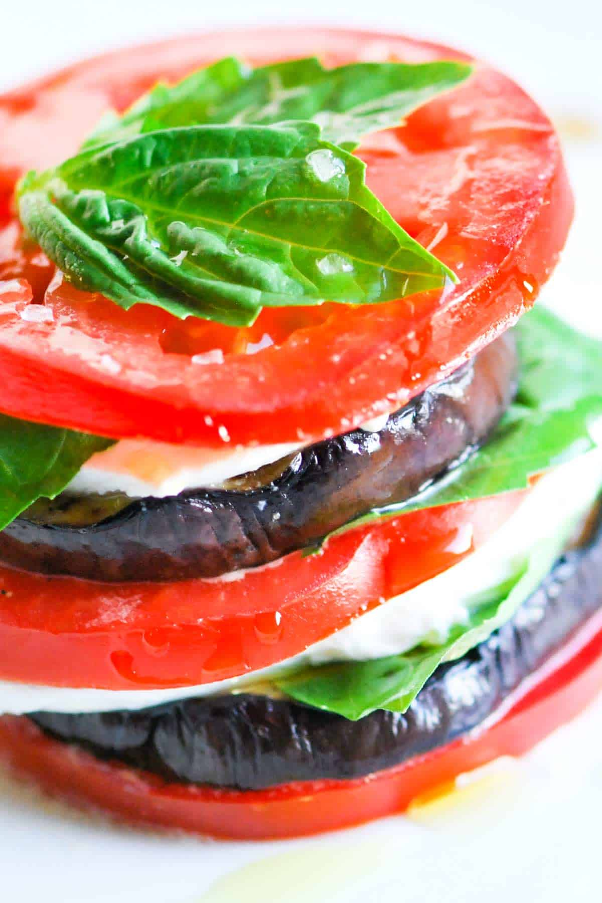 How to Make a Stacked Salad with Eggplant, Tomato and Mozzarella