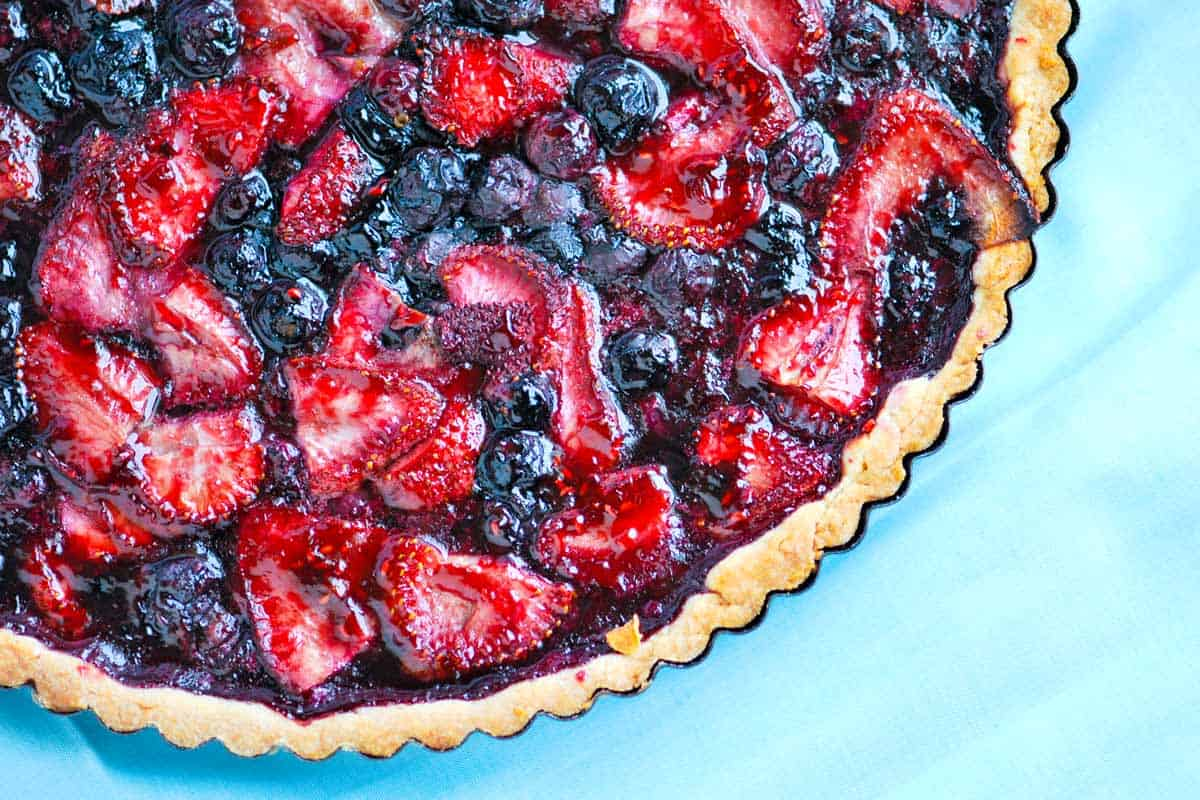 Homemade Blueberry and Strawberry Tart Recipe