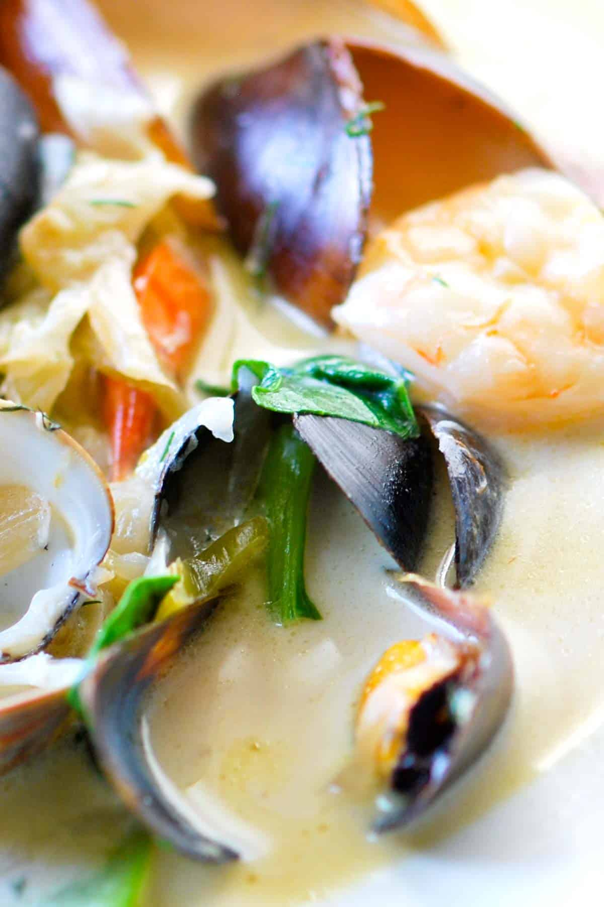How to Make Seafood Stew