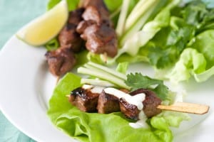 honey-sriracha-beef-skewers-recipe