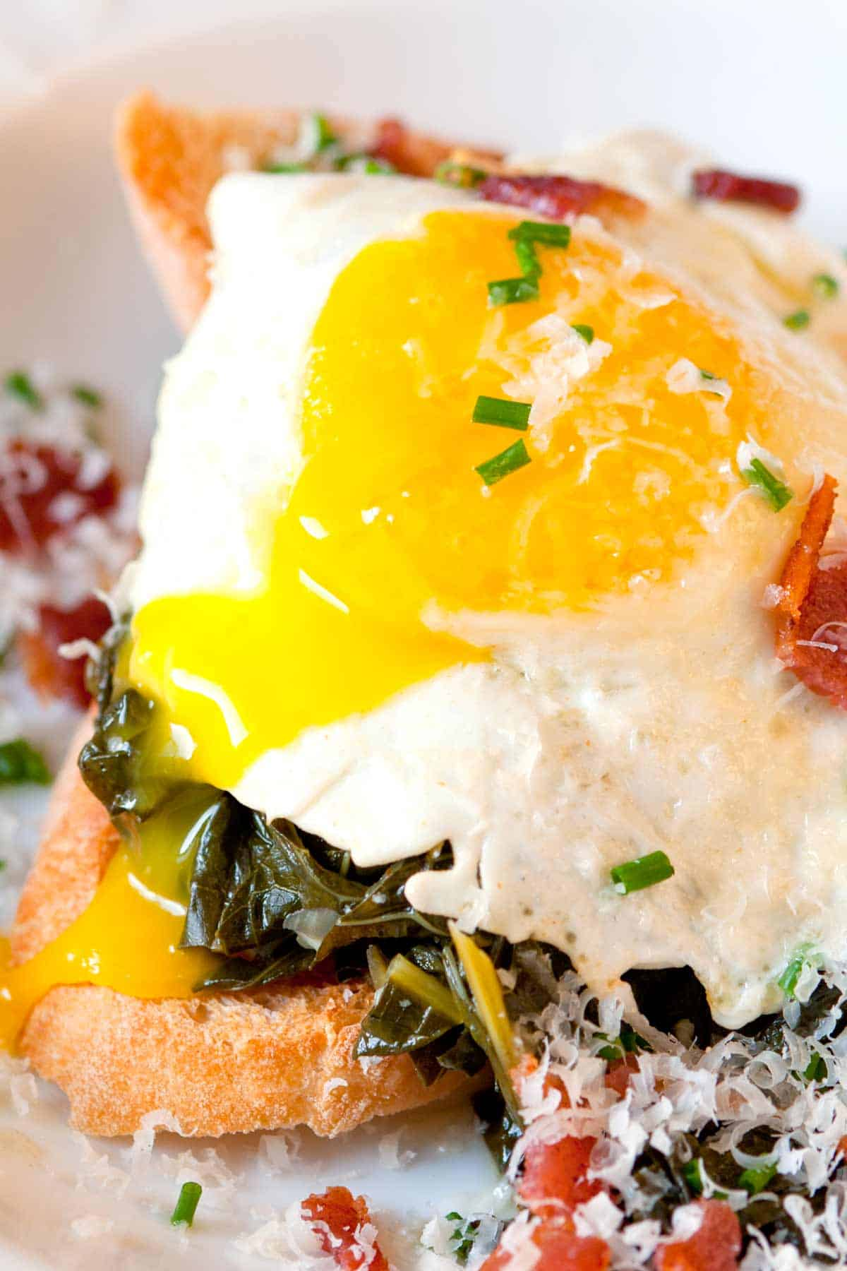How to Make Braised Kale Toasts with Egg and Bacon