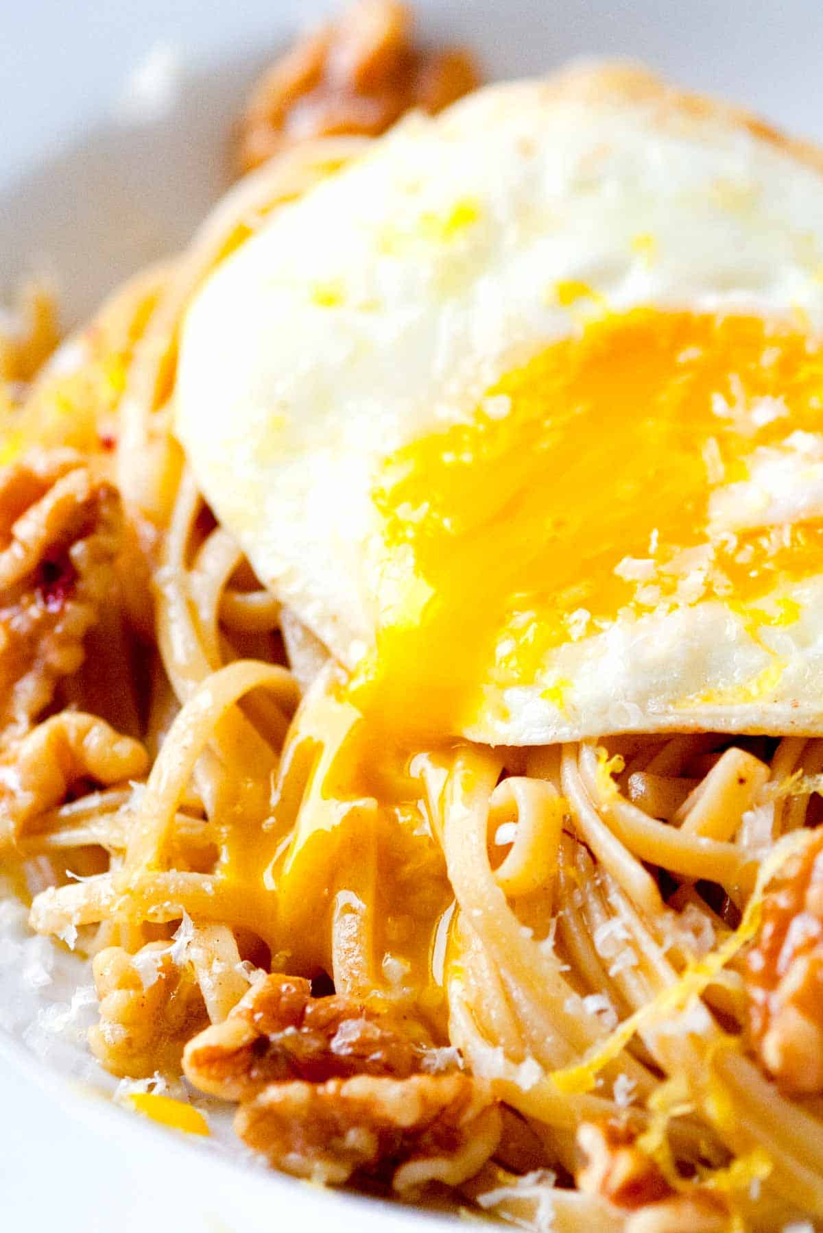How to Make Pasta with Brown Butter, Walnuts and a Fried Egg