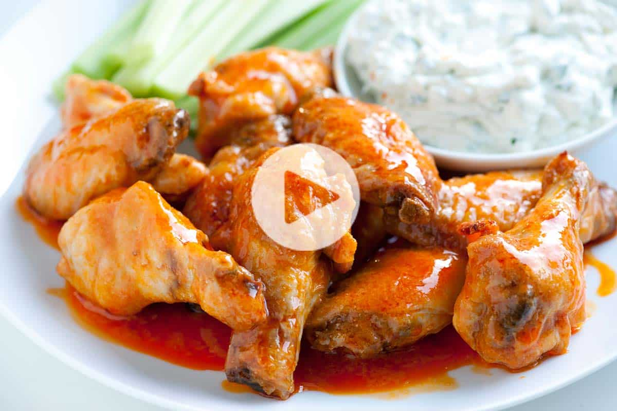 How to Make Crispy Baked Chicken Hot Wings
