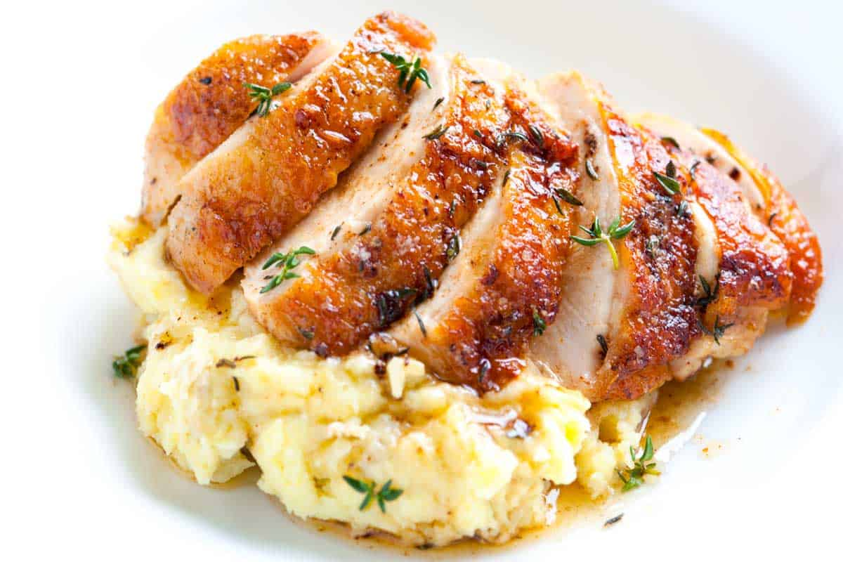 Easy pan roasted chicken breasts with thyme easy pan roasted chicken breasts with thyme recipe forumfinder Images
