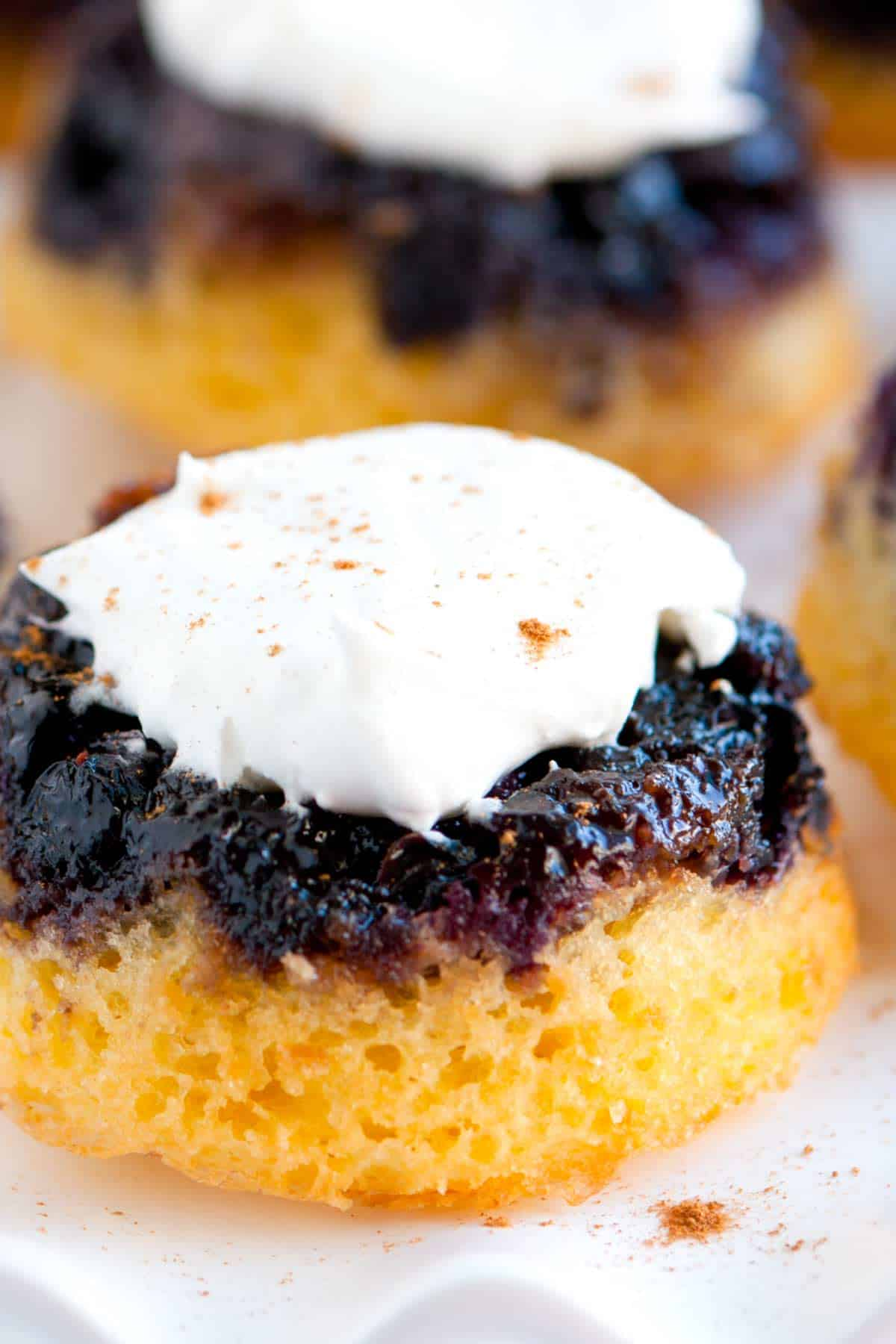 How to Make Mini Blueberry Cakes