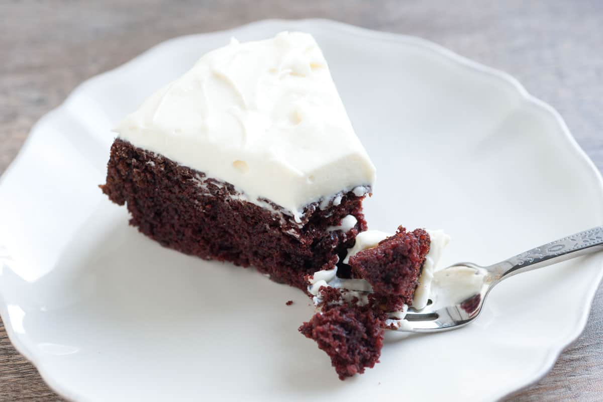 Cake Recipe With Icing In The Batter: Guinness Chocolate Cake Recipe With Creamy Frosting