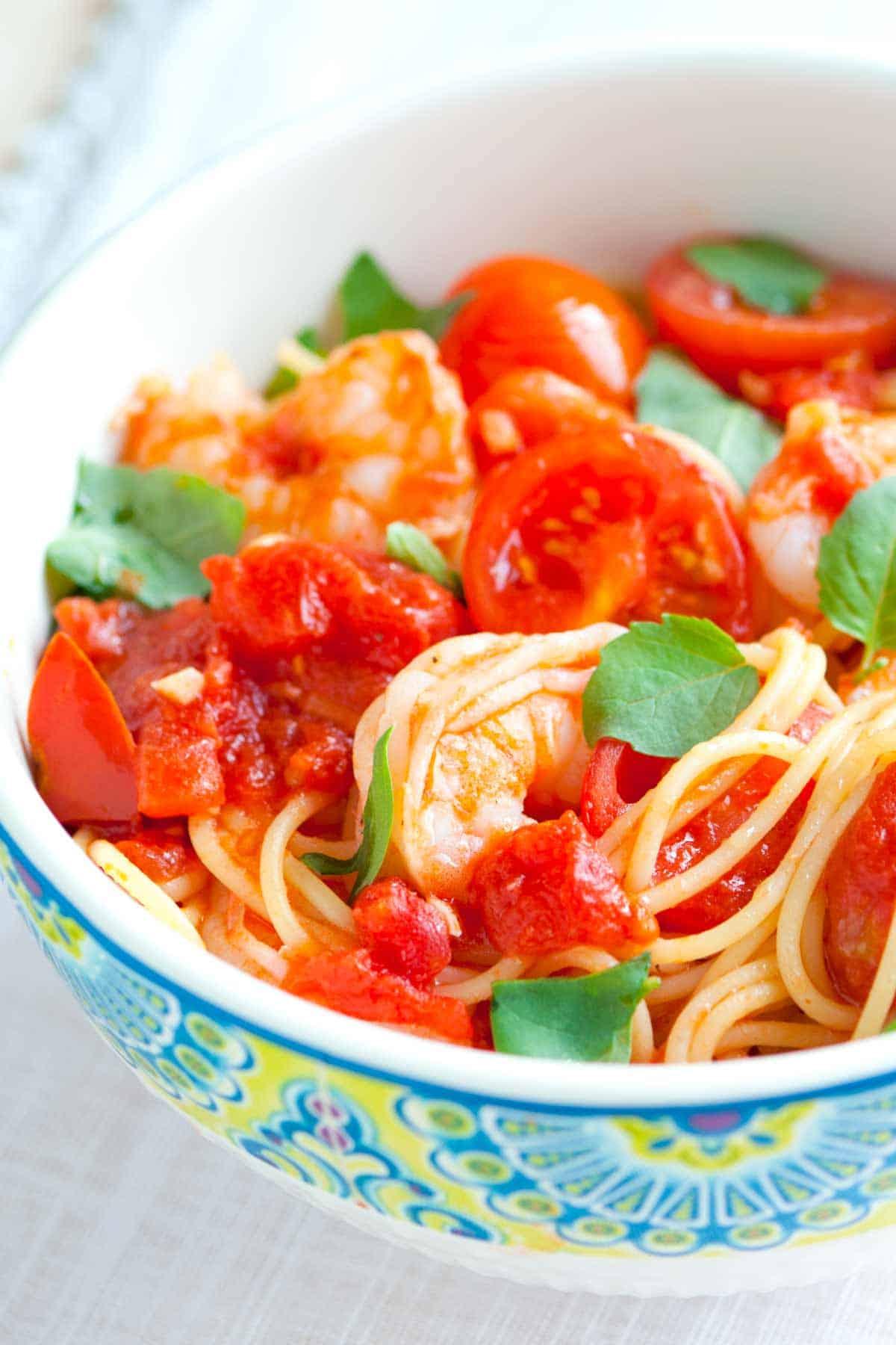15 Minute Shrimp Pasta Recipe With Tomato And Basil