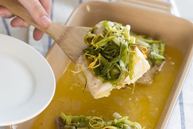 How to Bake Fish with Scallions and Orange