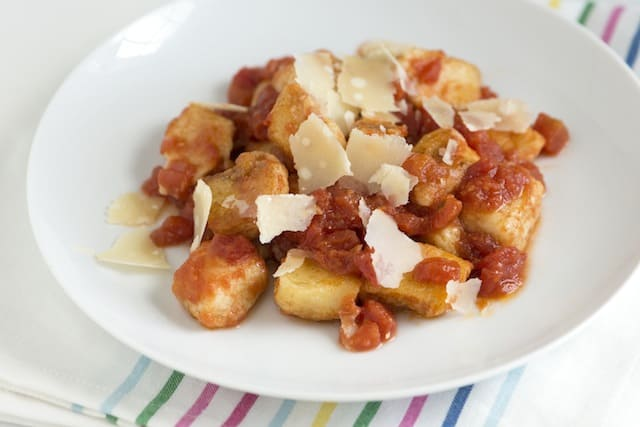 Simple Ricotta Gnocchi Recipe from www.inspiredtaste.net #gnocchi # ...