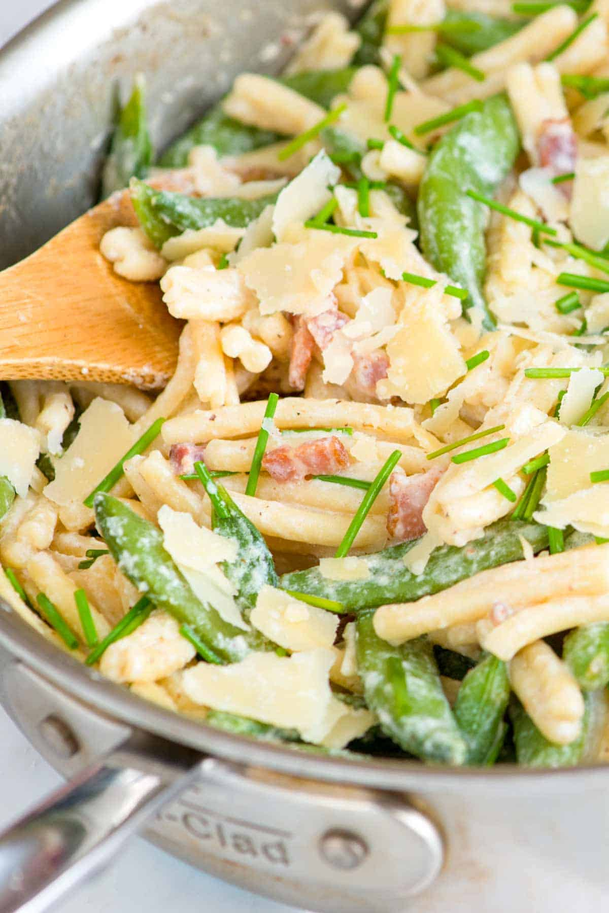 How to Make Creamy Yogurt Pasta with Bacon
