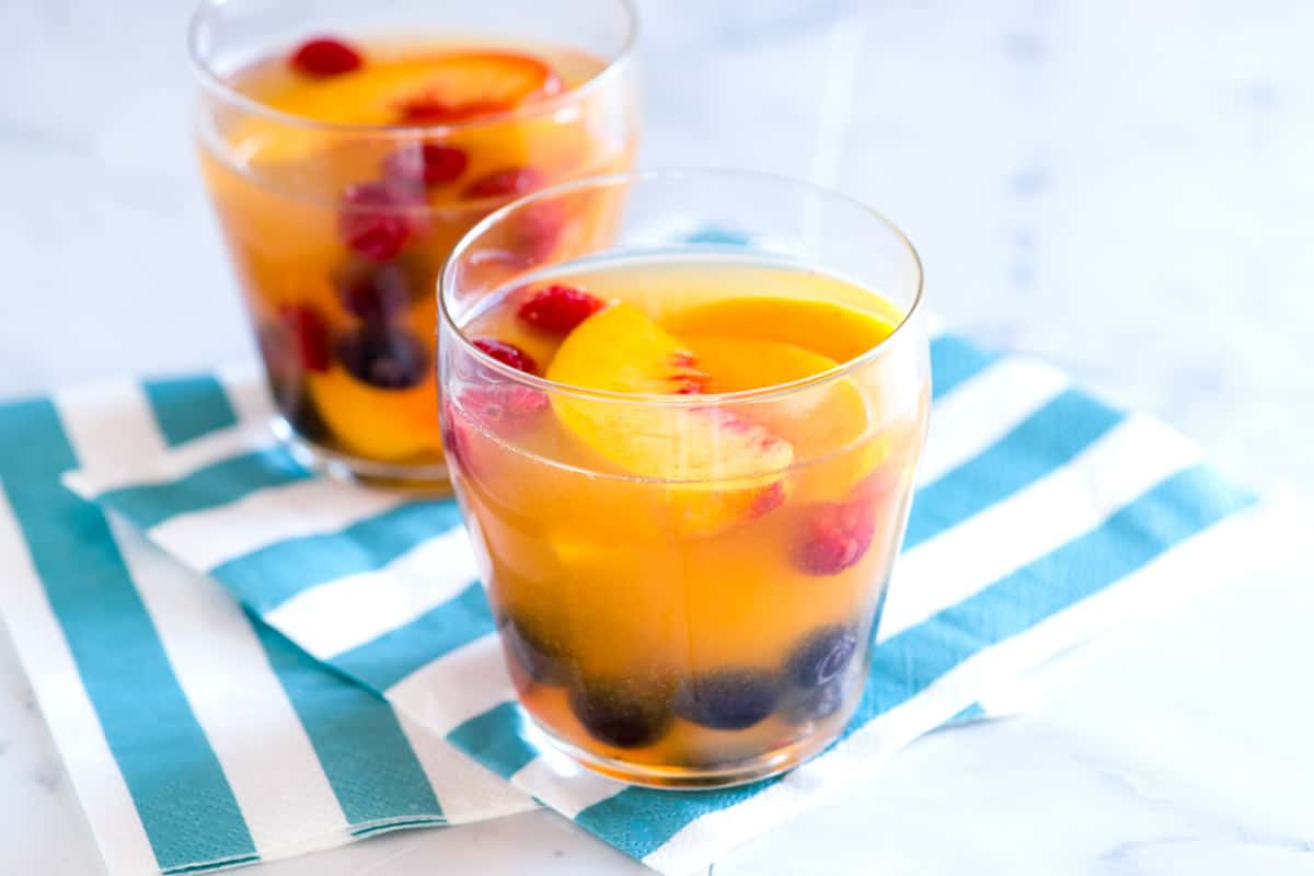 White Wine and Peach Sangria Recipe
