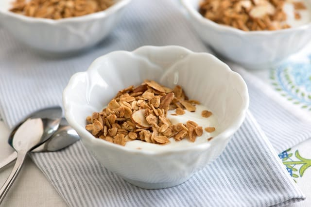Homemade Granola with Honey, Vanilla and Almond