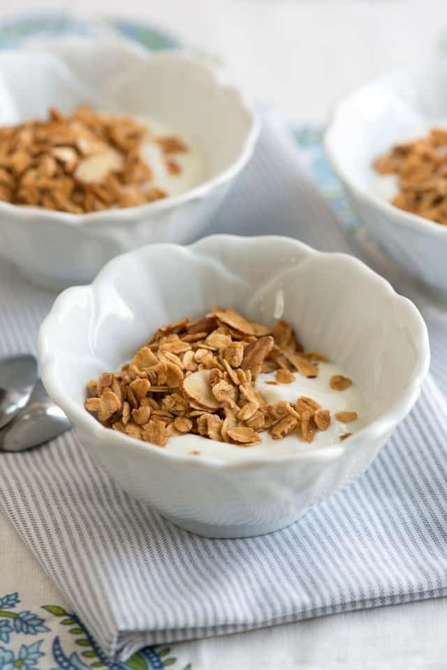 Homemade Granola Recipe with Vanilla, Almond and Honey