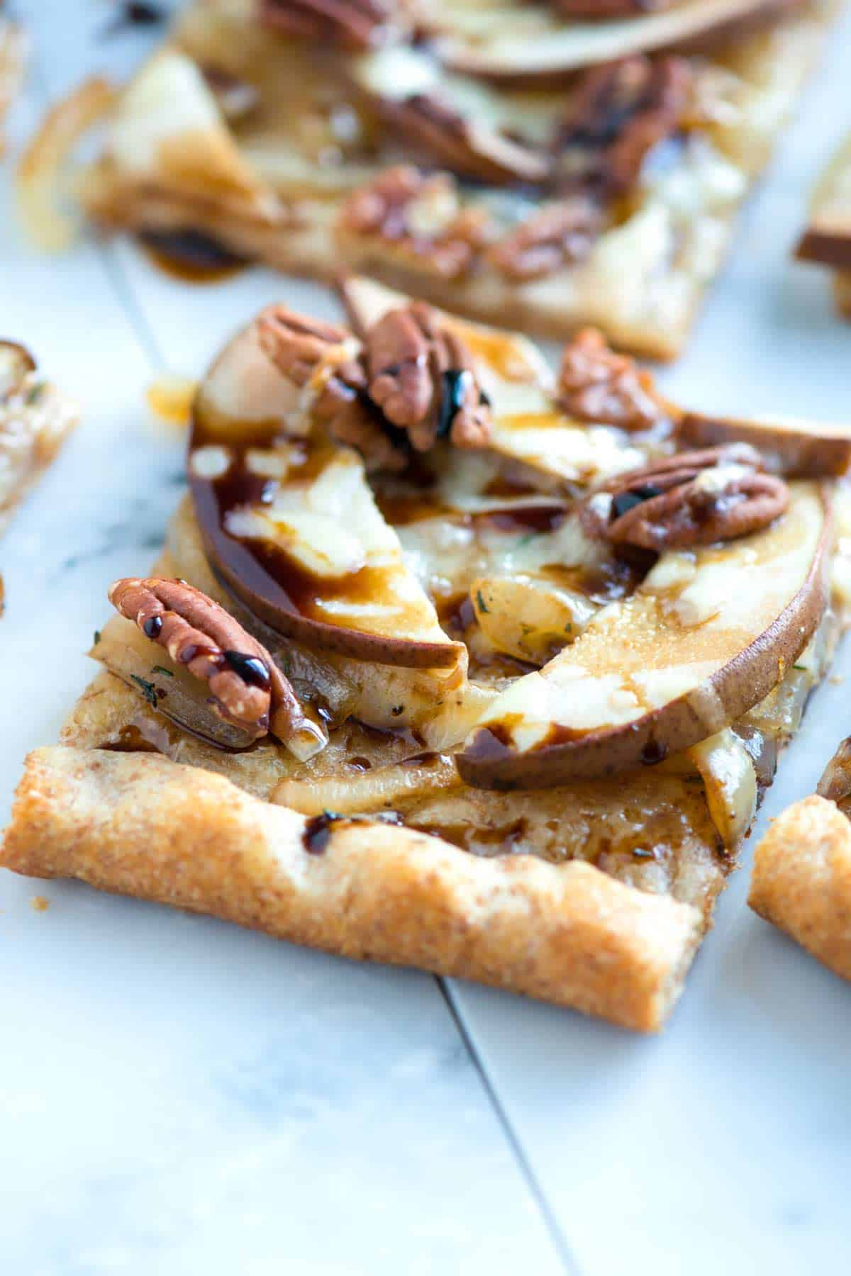 How to Make Pizza with Pears, Onions and a Balsamic Glaze