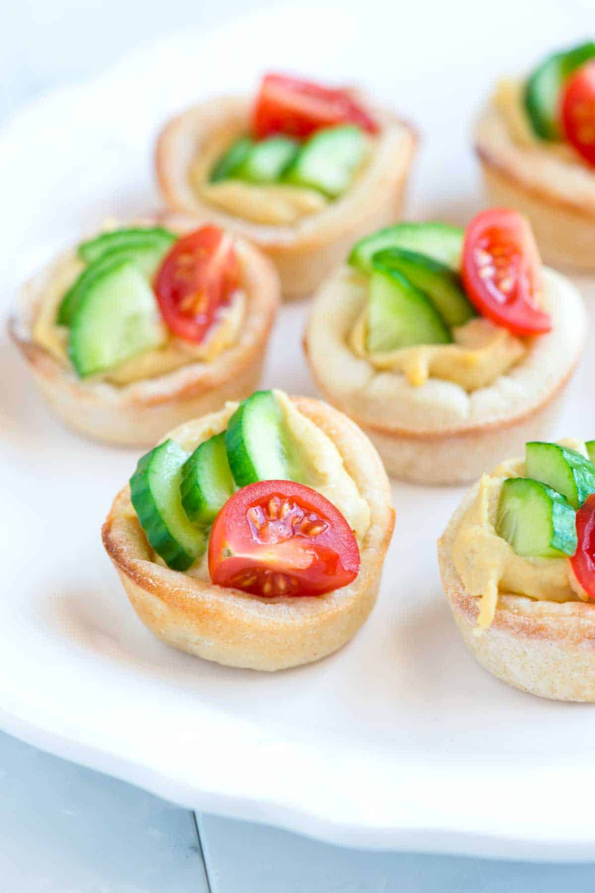 Easy hummus cups with cucumber and tomato for Where to buy canape cups