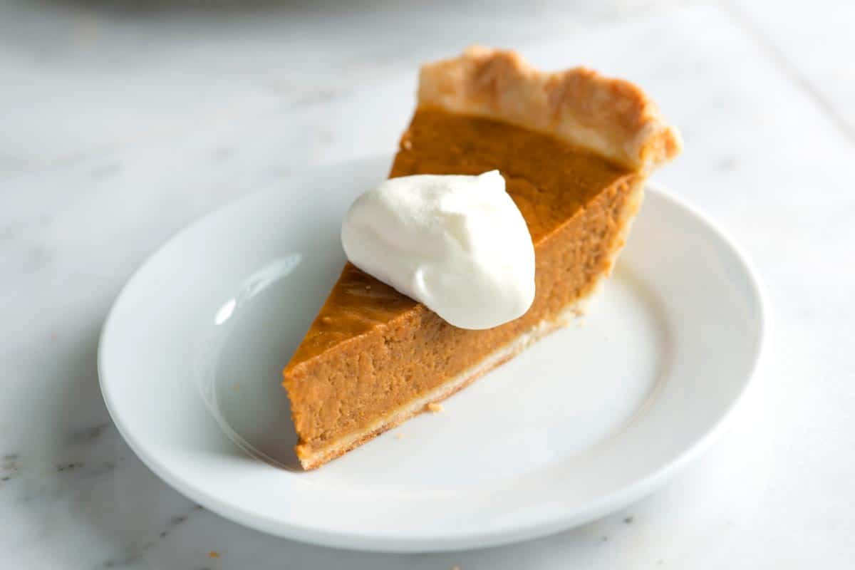 How to Make our Easy, Homemade Pumpkin Pie