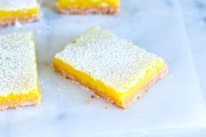 Easy Lemon Bars Recipe with Buttery Crust