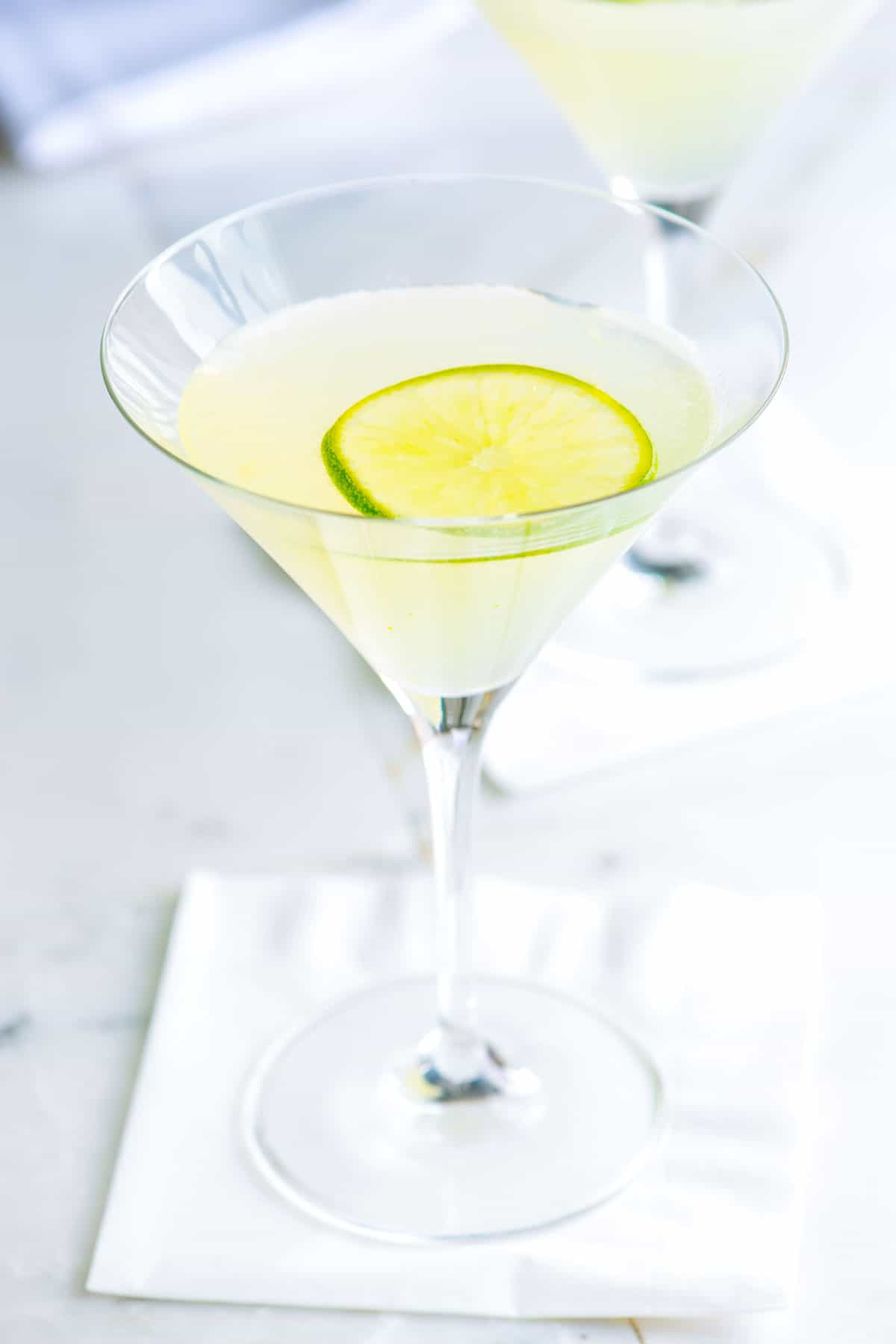 How to Make a Vodka Gimlet From Scratch