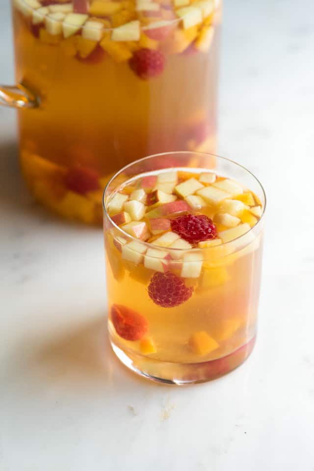 Fruity White Sangria Recipe: A fresh and fruity white sangria recipe ...