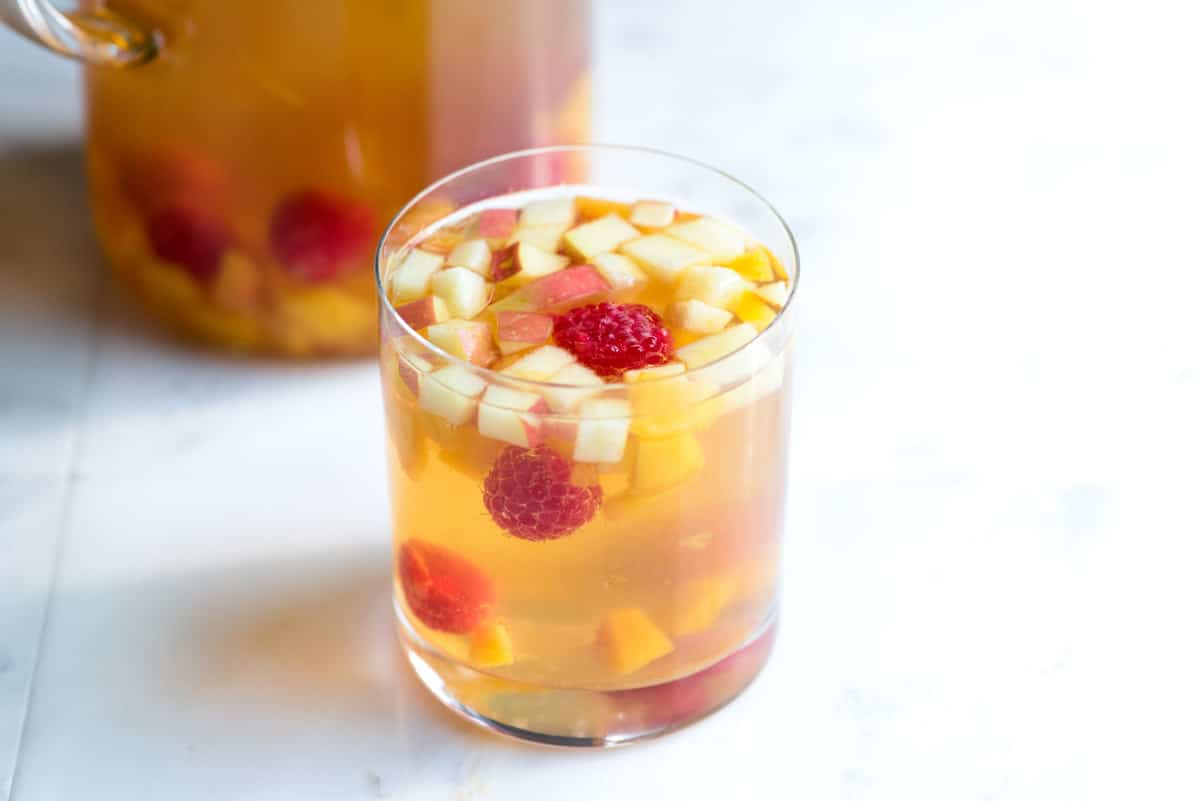 Fruity White Sangria Recipe with Peaches