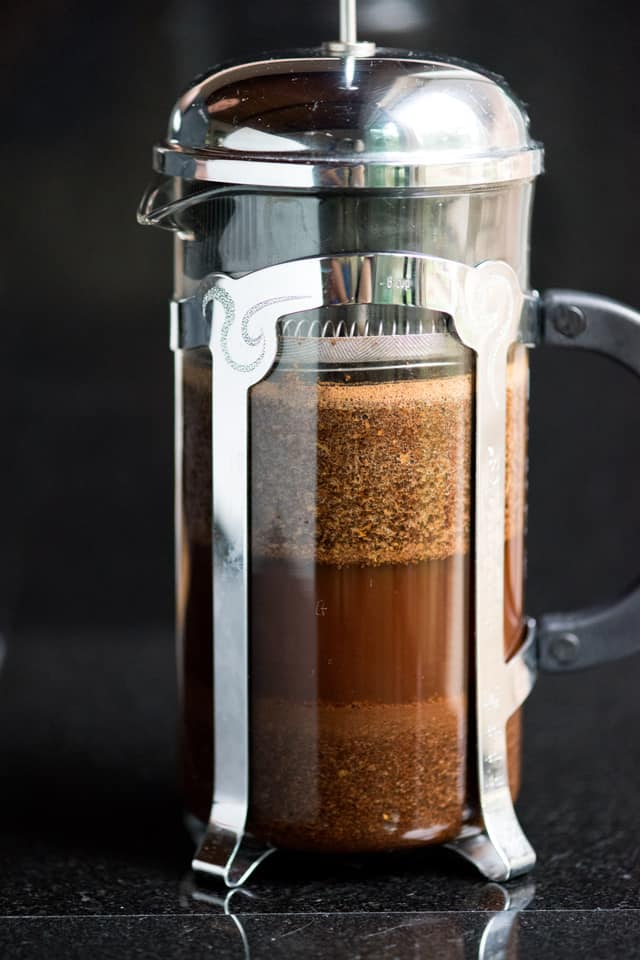 Extra easy cold brew coffee recipe from inspiredtaste.net Learn how to ...