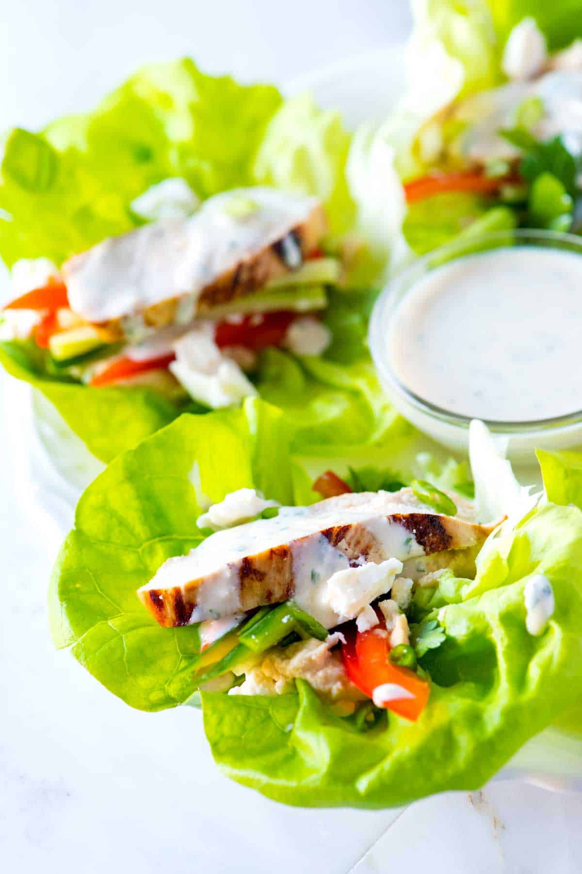 How to Make Healthy Lettuce Wraps with Chicken and Hummus
