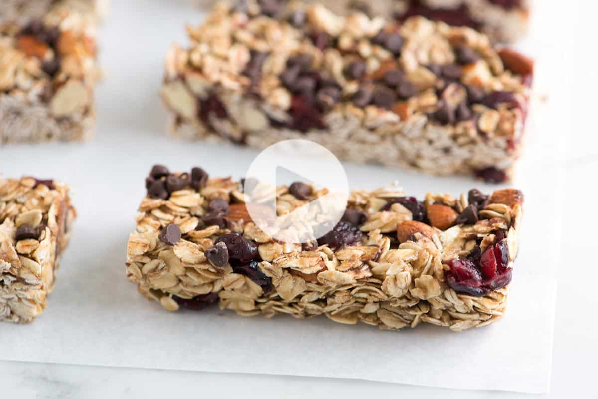 Simple soft and chewy granola bars recipe ccuart Choice Image