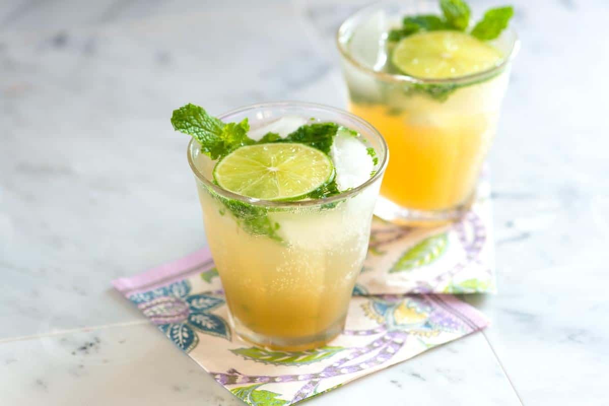 easy green iced tea recipe with fresh mint and orange. Black Bedroom Furniture Sets. Home Design Ideas