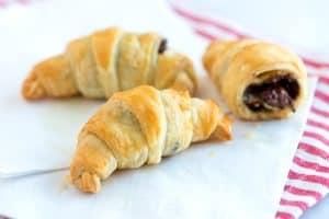 Easy, 30 Minute Chocolate Croissants Recipe