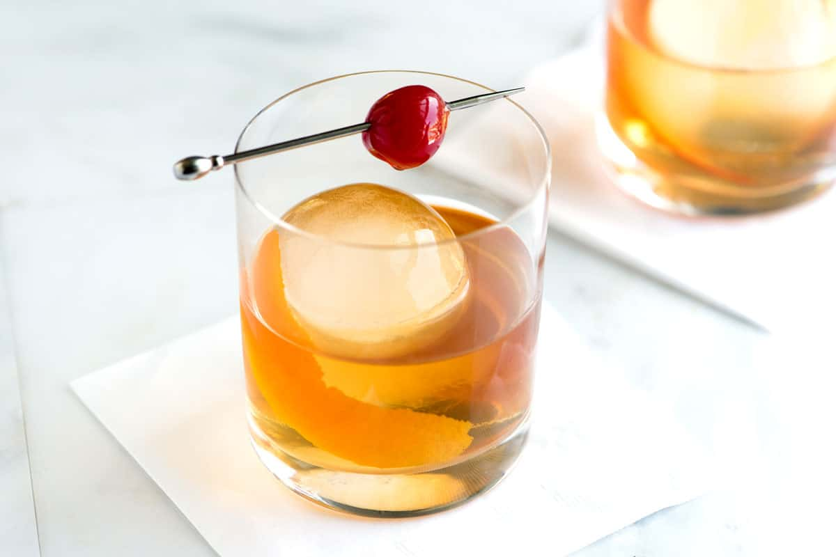 Old Fashioned Cocktail with Tips