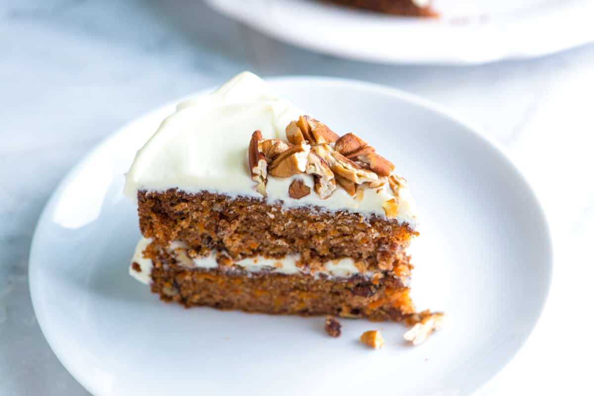 Carrot And Walnut Cake Without Frosting