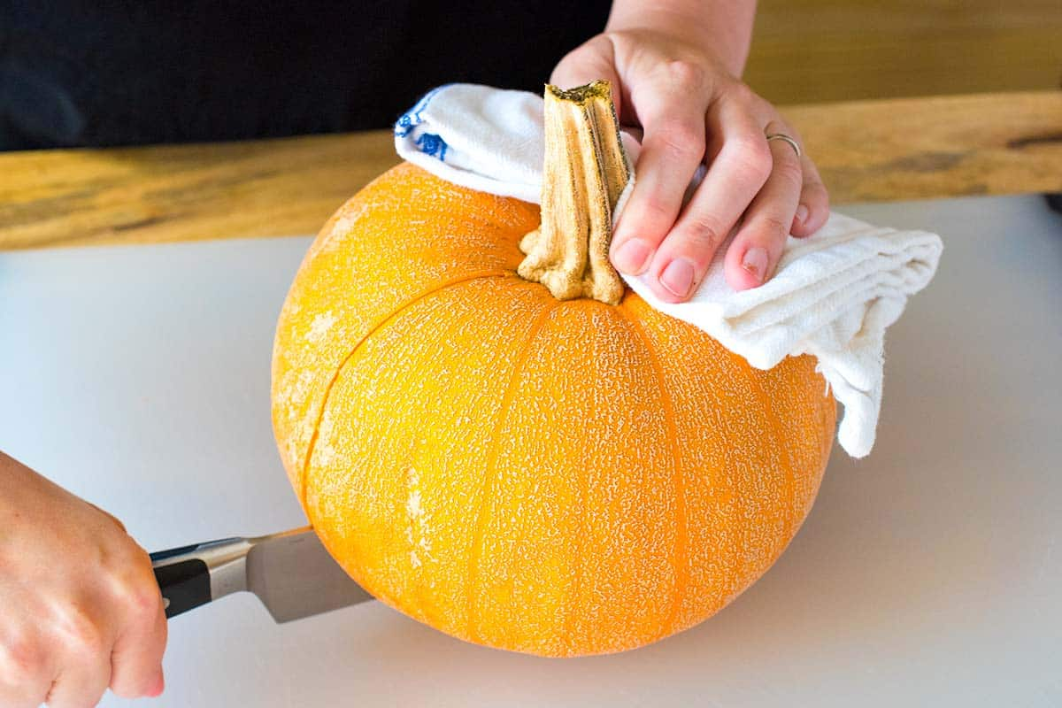 How to Cut a Baking Pumpkin