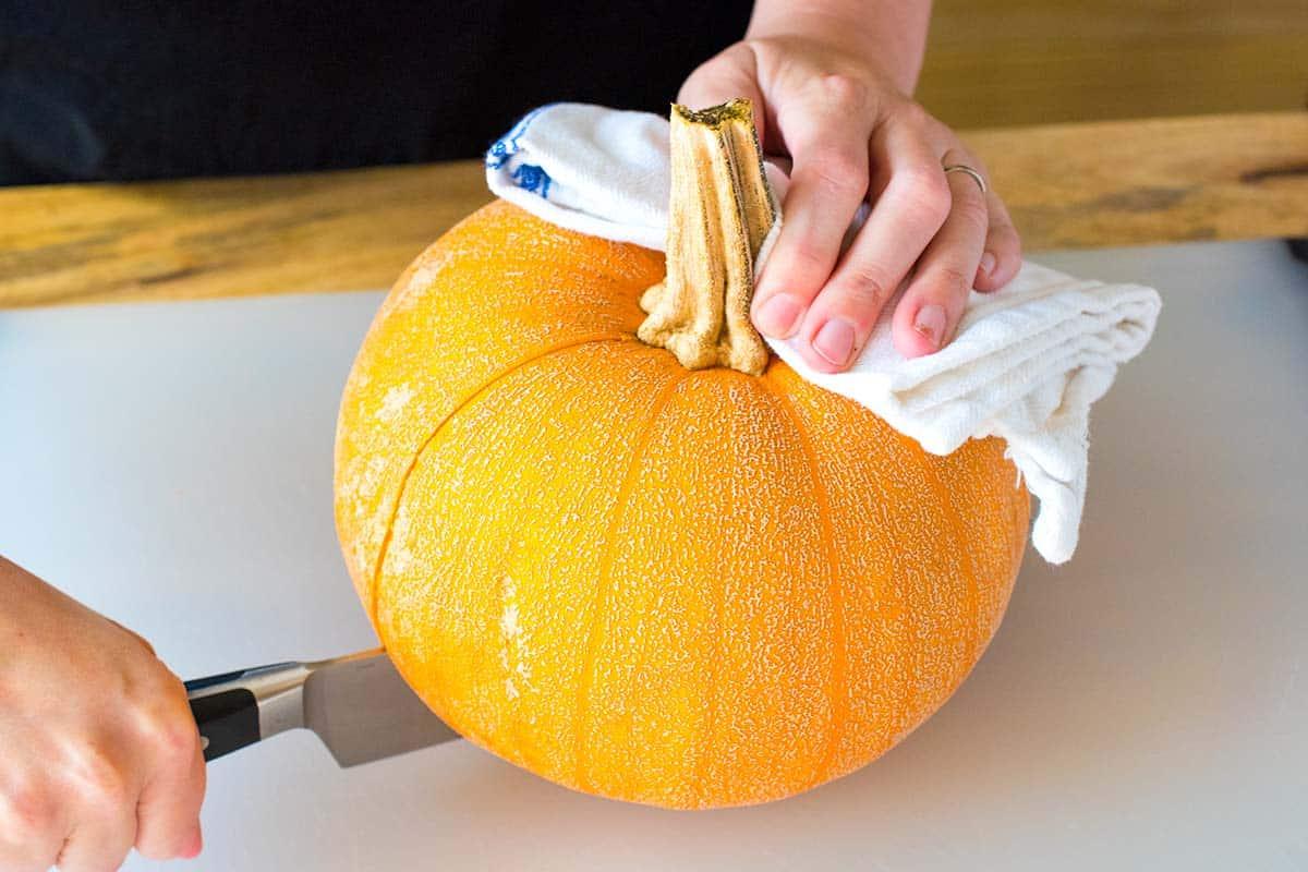 How to Cut a Baking Pumpkin