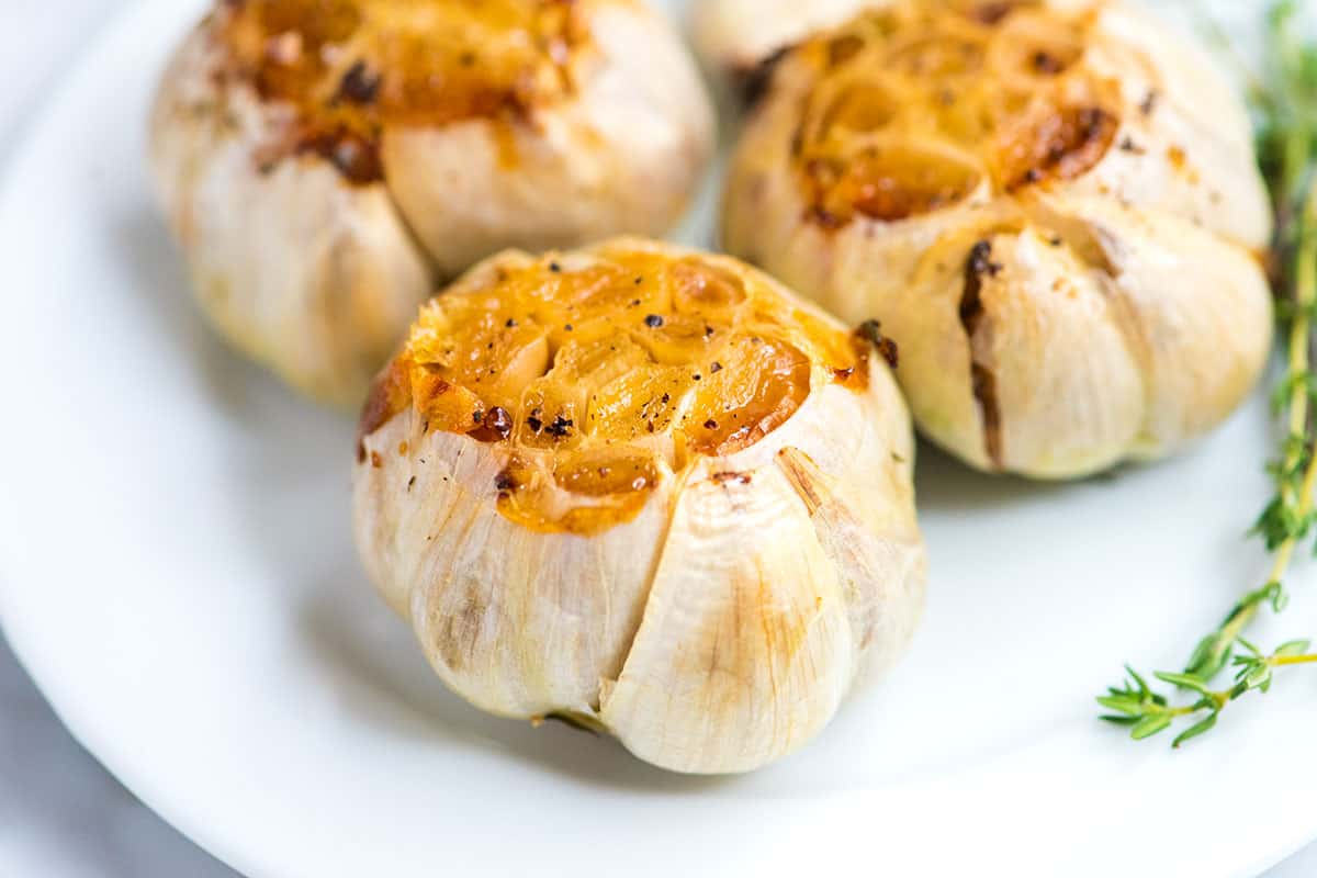 How to Easily Roast Garlic in the Oven