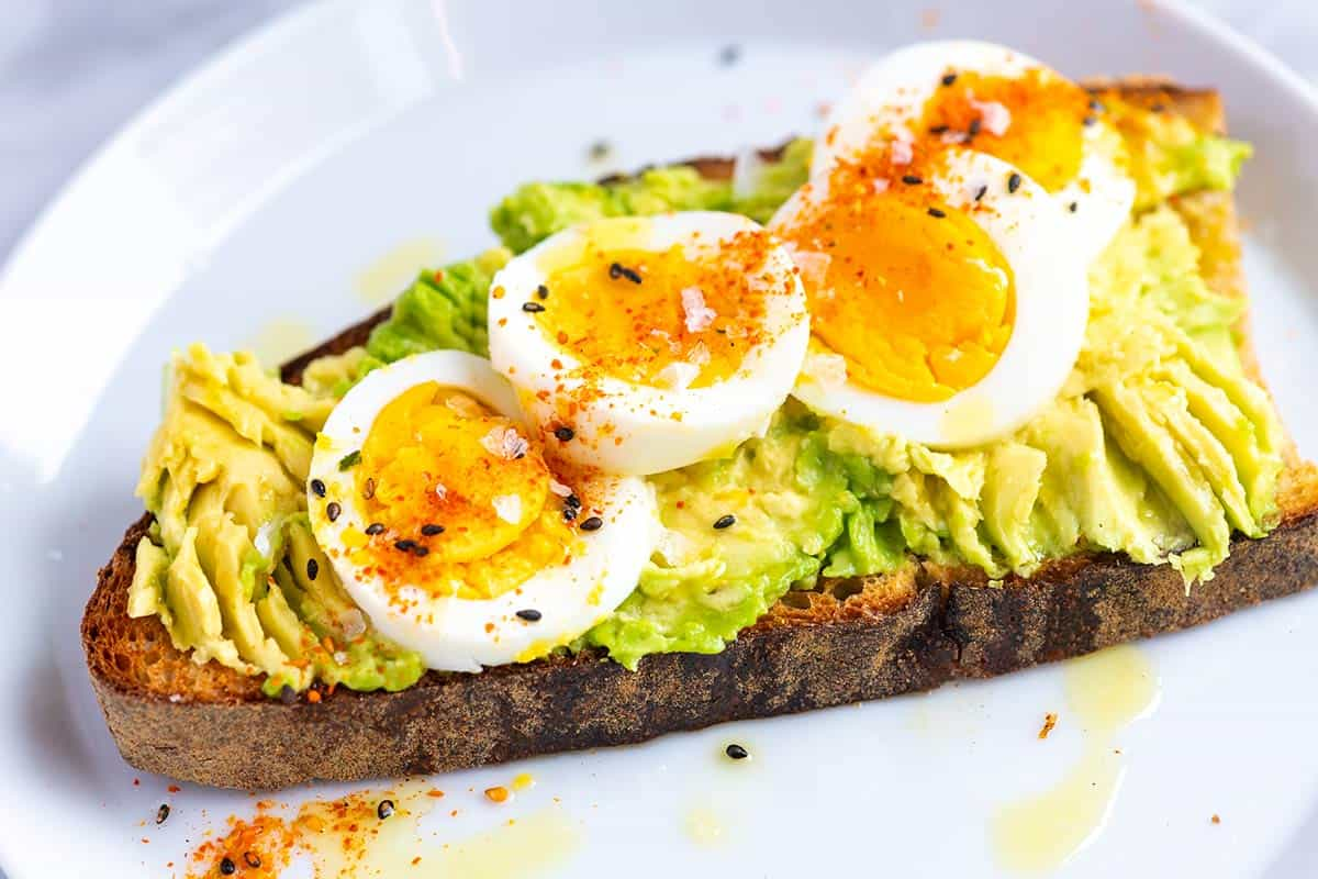 Smashed Avocado Toast Recipe with Egg