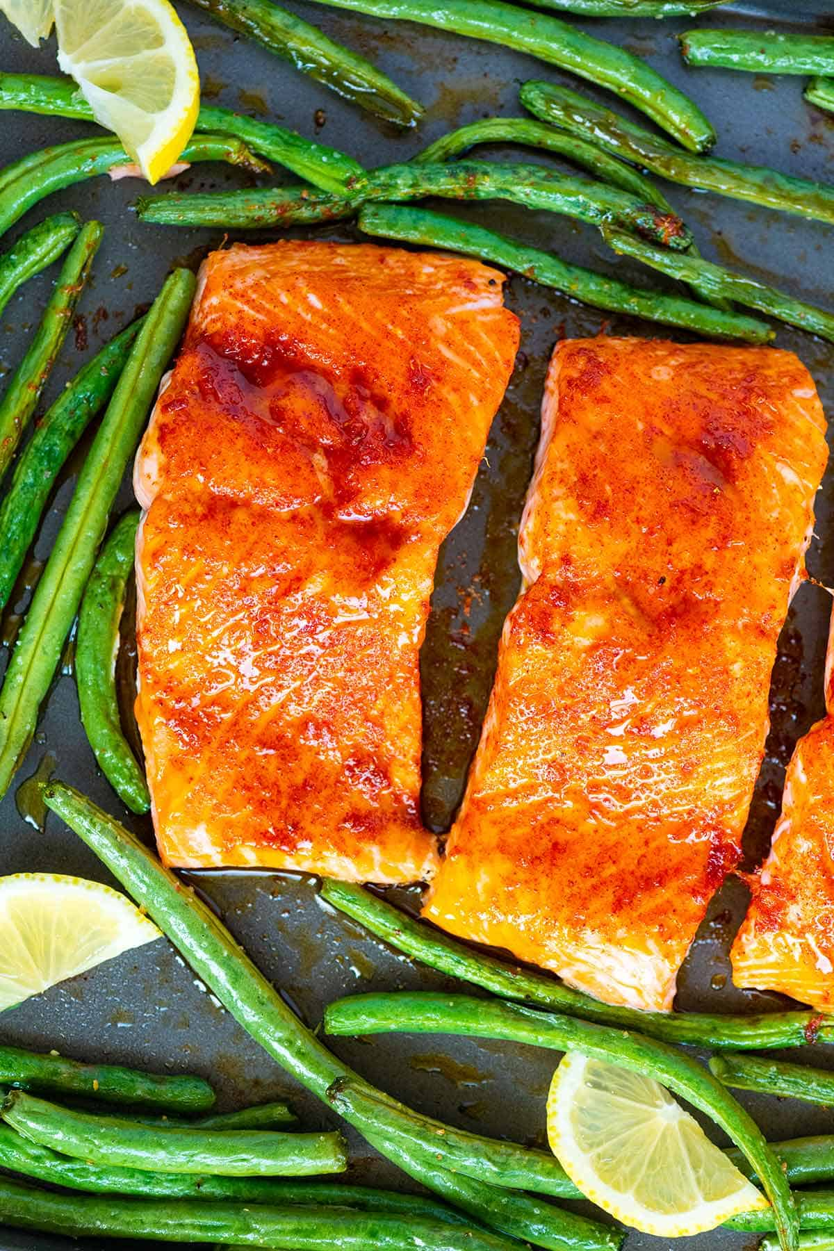 How to Make Easy, One-Pan Baked Salmon and Veggies