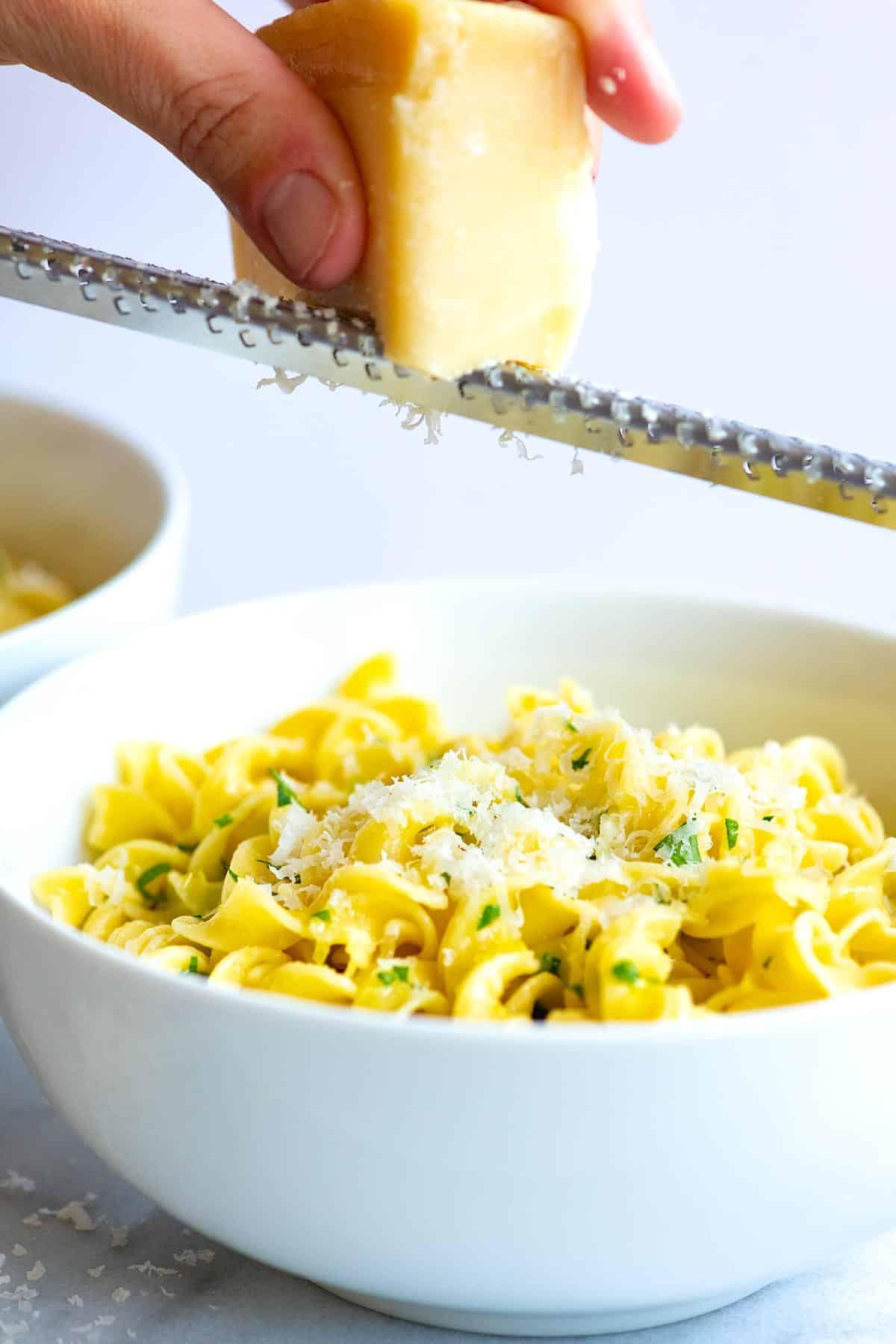 Cómo hacer los mejores fideos con mantequilla