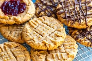 Easy Homemade Peanut Butter Cookies Recipe