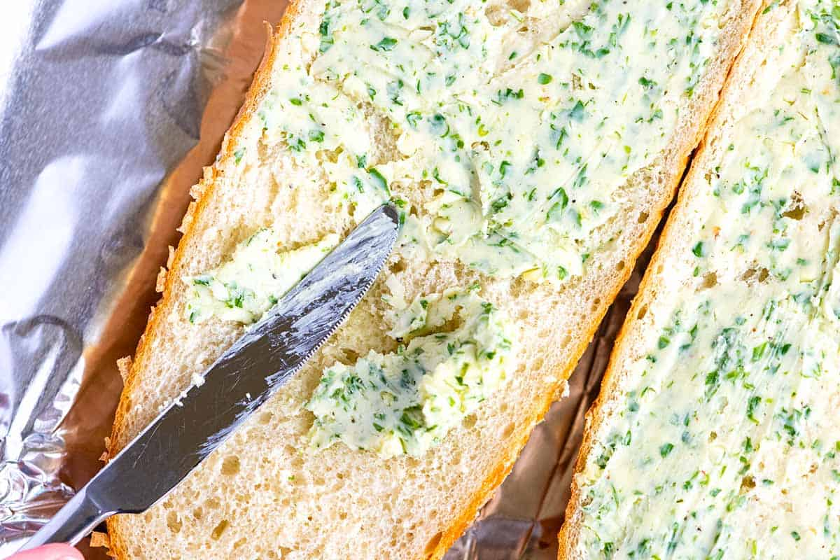 How to Make the Best Garlic Bread From Scratch