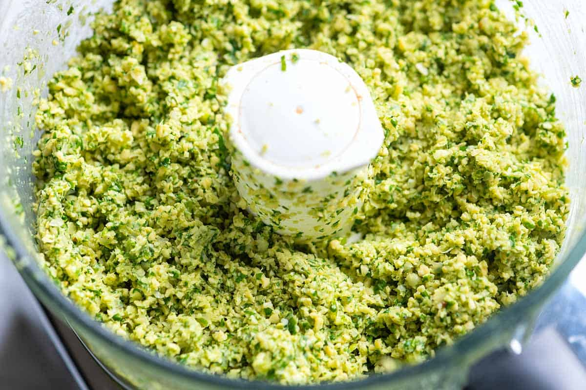 How to Make our Favorite Homemade Falafel Recipe // Falafel Mix