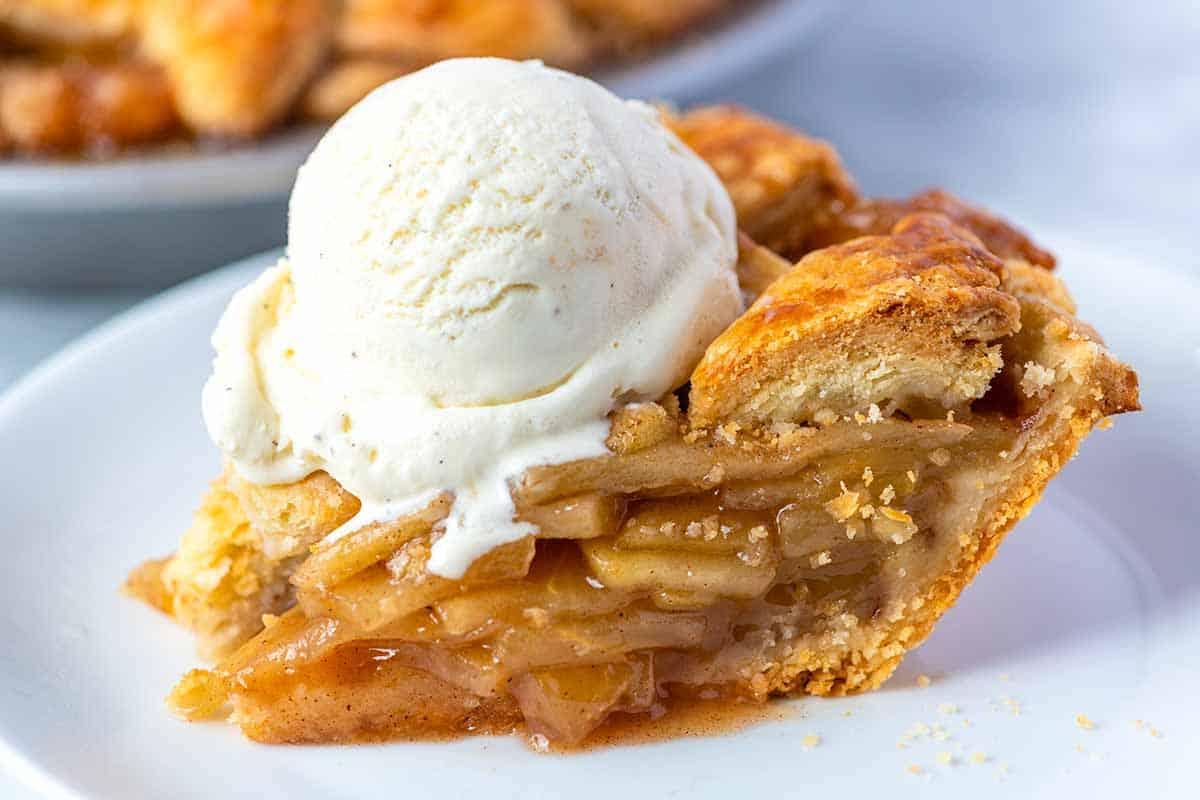 Apple Pie à la mode (with ice cream)