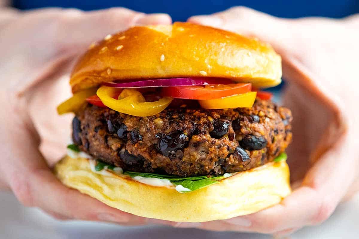 Receta fácil de hamburguesas de frijoles negros