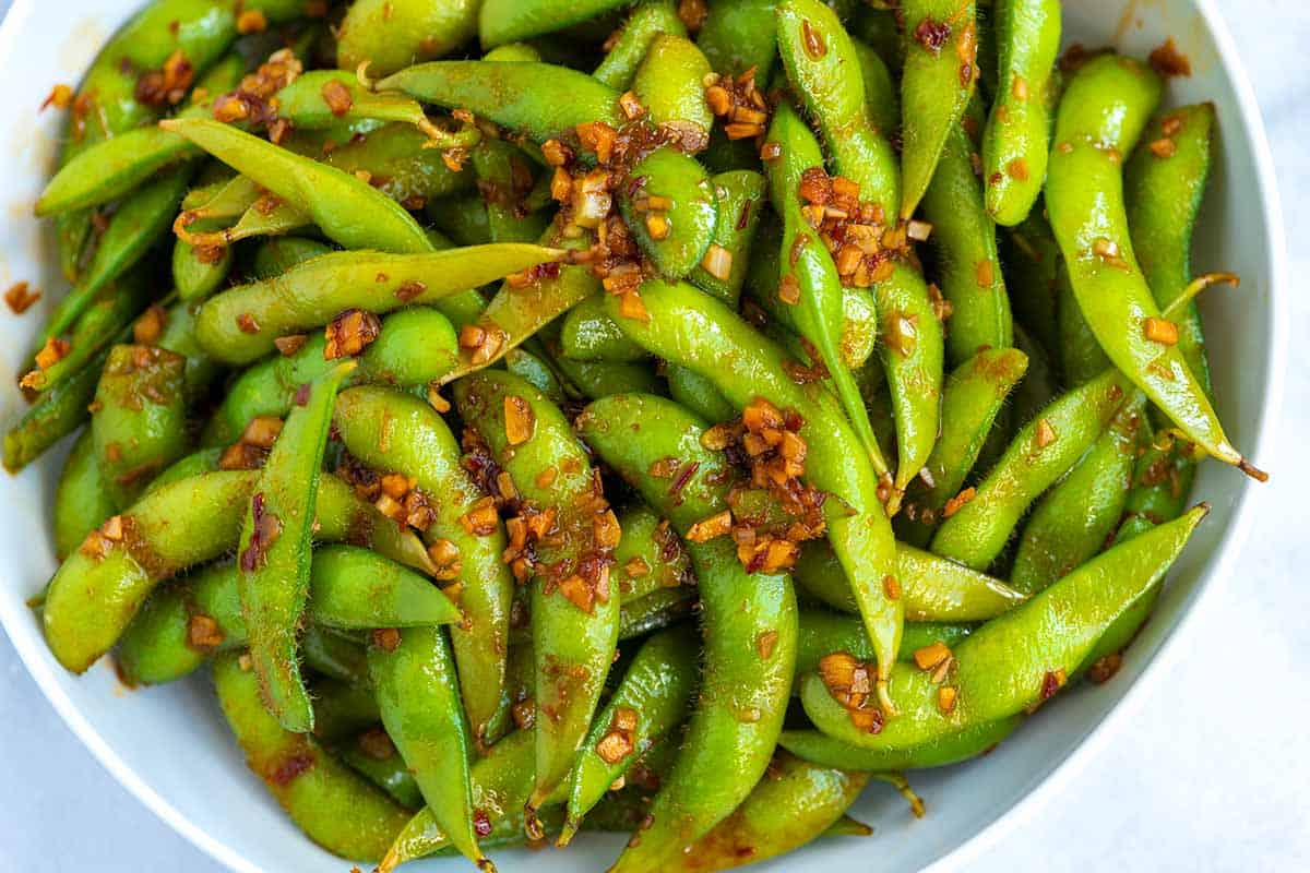 Spicy edamame recipe with garlic and ginger