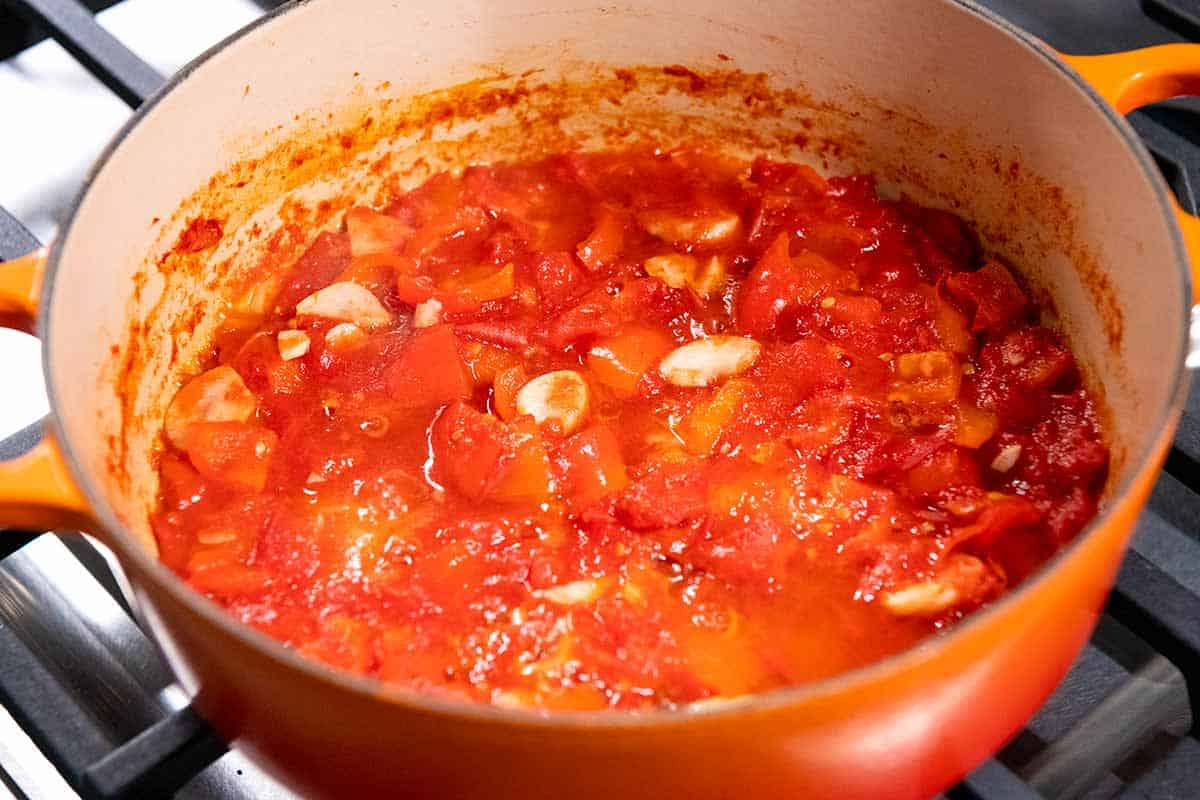 Homemade tomato sauce for eggplant parmesan