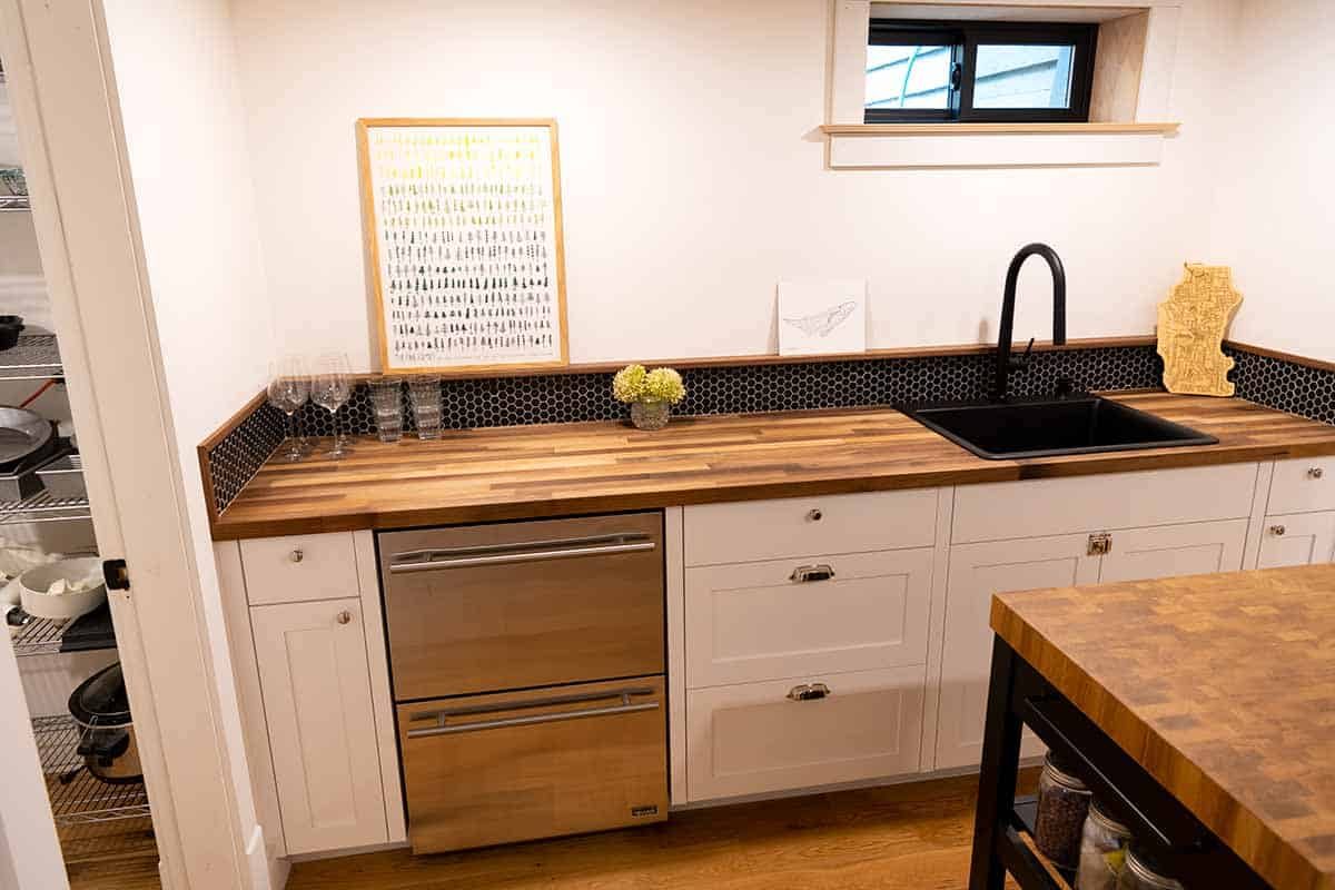 Kitchenette with sink and wine fridge