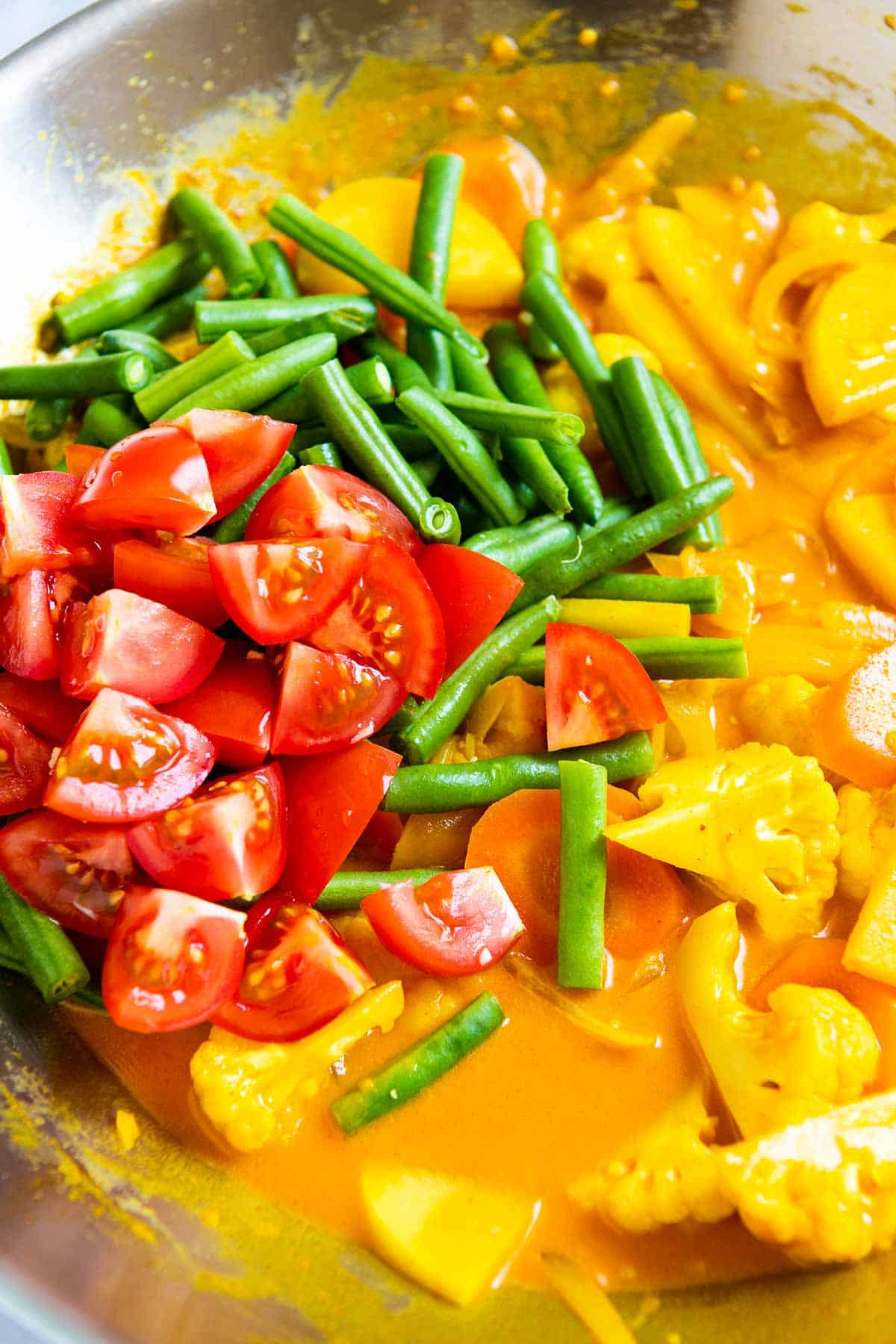 Making vegetable curry